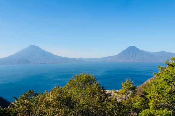 Travel-Designer-Reisverhalen-Op-reis-met-Jaimie-Guatemala-en-Belize-Vulkanen-Meer